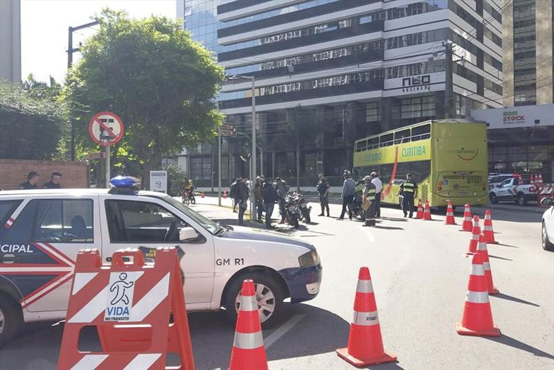 Blitze em Curitiba multam um terço dos motoristas