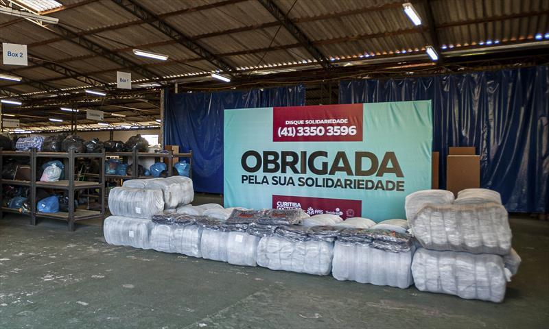 FAS recebe doação de 720 cobertores das Lojas Daju. Curitiba, 27/05/2020. Foto: Andre Wormsbecker