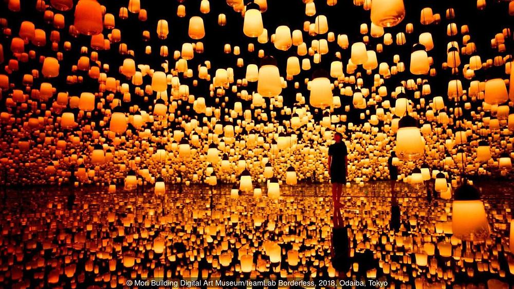 Museu no Japão cria uma integração entre pessoas e arte digital