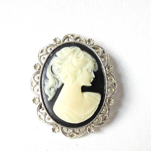 Black and White Cameo Pin with Silver Tone Fram