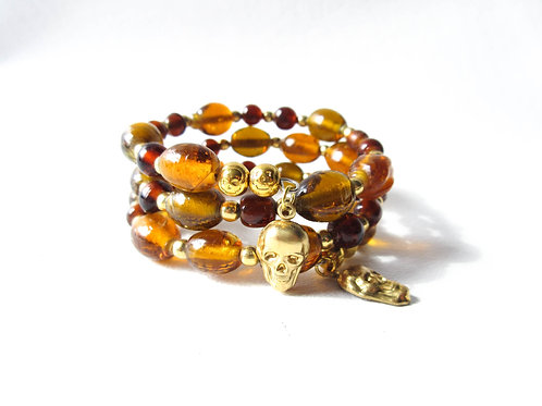 Vintage Glass Beaded Bracelet with Gold Tone Skull Charms