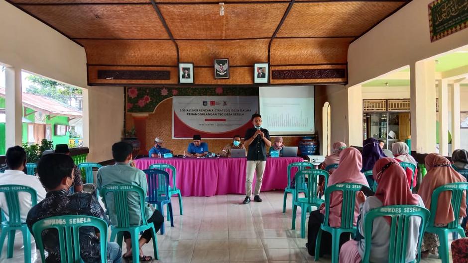 Sosialisasikan Rencana Strategis Desa Sesela sebagai Upaya Pencegahan dan Penanggulangan TBC Desa