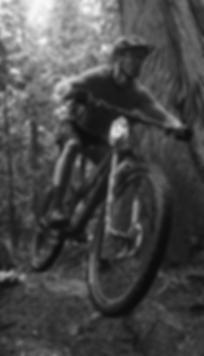 Haciendo mountain bike