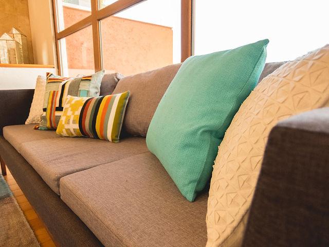 Diseño de interiores, sofá pirwi, accesorios west elm