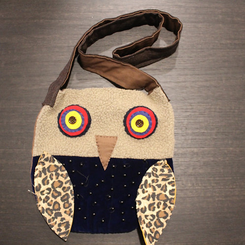 Owl cross-body bag