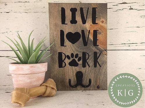 Affiche porte-laisse - live love bark