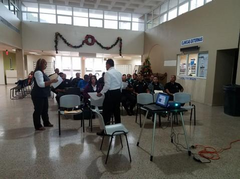 Presentación de Drug Policy Alliance a los policías municipales en el pueblo de Comerío (20/dic/2016