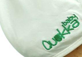 Mascarilla Antibacterial Quokkababy niño blanca logo verde