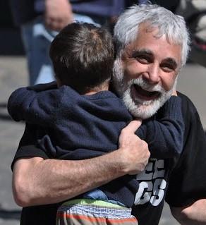 A Market of Hugs