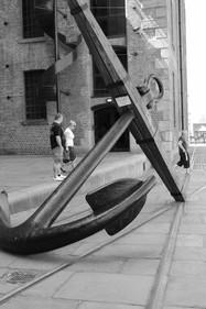Anchor outside the Merseyside Maritime Museum, Hartley Quay, Albert Dock, Liverpool, Merseyside, UK