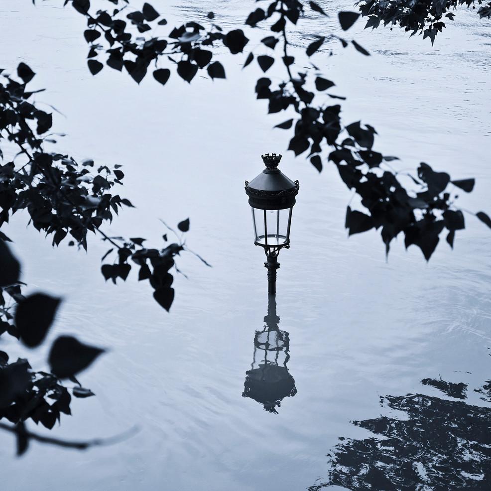 Lampadaire sous l'eau - Paris 5 inondé