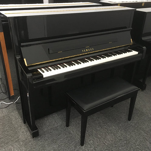 Yamaha U1J