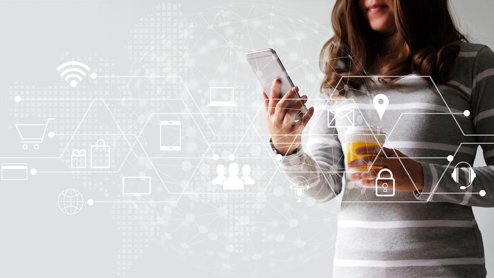 Network-Woman-marketing-digital.png