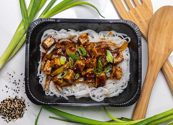 Sauté de Tofu Teriyaki sur Nouilles de Riz
