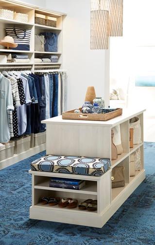 غرفة تبديل الملابس Walk-In Closet