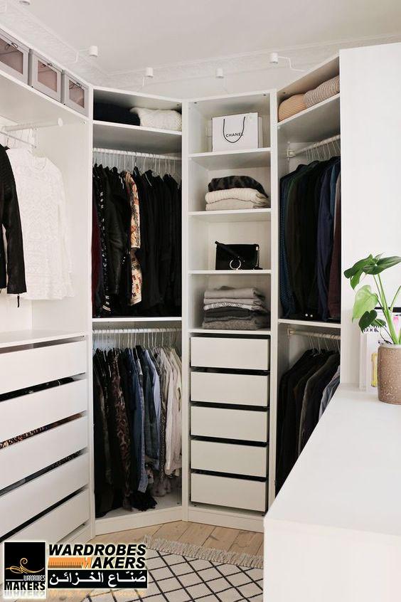 غرف ملابس زاوية