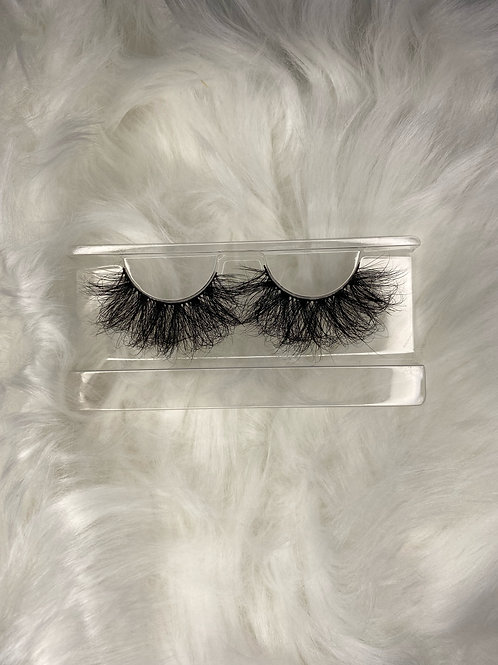 """""""Yurie"""" 25 mm Mink Lashes"""