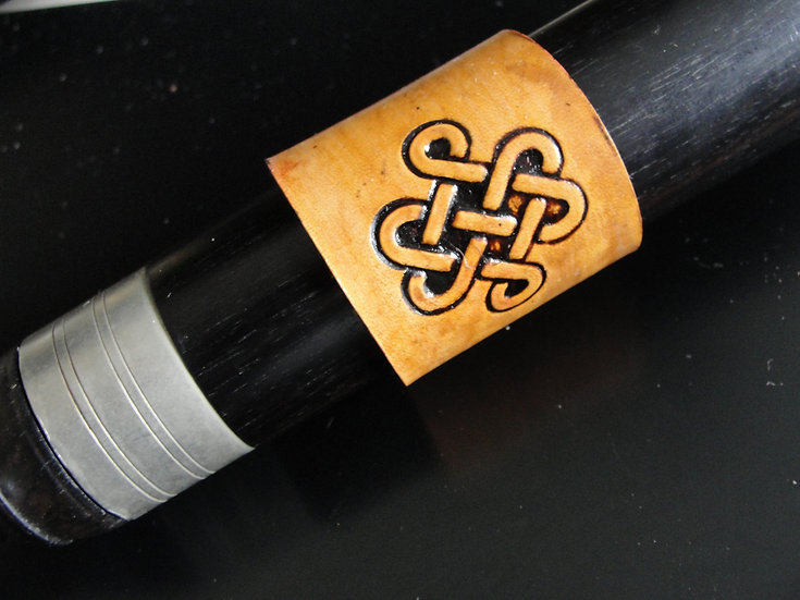 Celtic Knot c13 - Medium 3.75 circumference