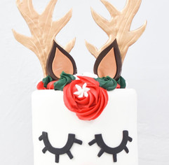 Little Reindeer Cake
