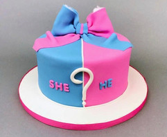She or He? Cake
