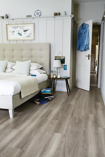 Amtico Spacia SS5W2550 Nordic Oak (Clearance price £24.99) Per M2