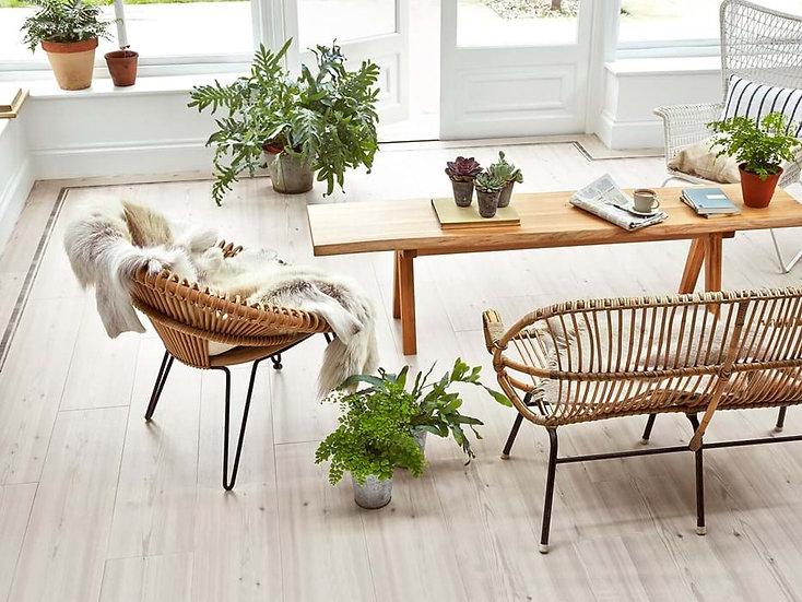Amtico Siganture Chalked Pine AR0W7750 (Clearance price £44.99)Per M2