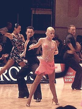 Mica dancing