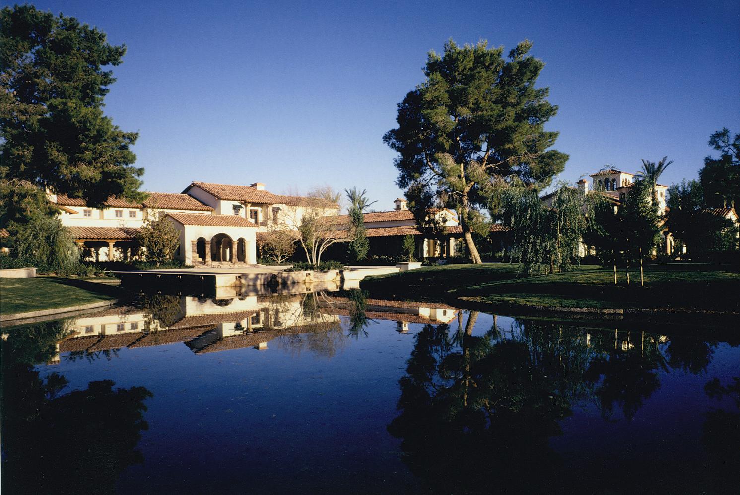 Tomiyasu Estate
