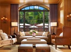 st-regis-aspen-shadow-mountain-lounge-drinks-window