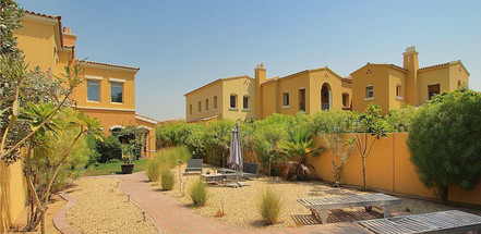 Palmera Courtyard Homes