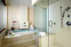 P - Renewal Suite Bathroom