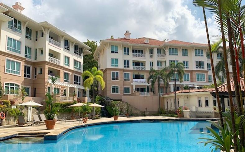 Duchess Crest Condominiums