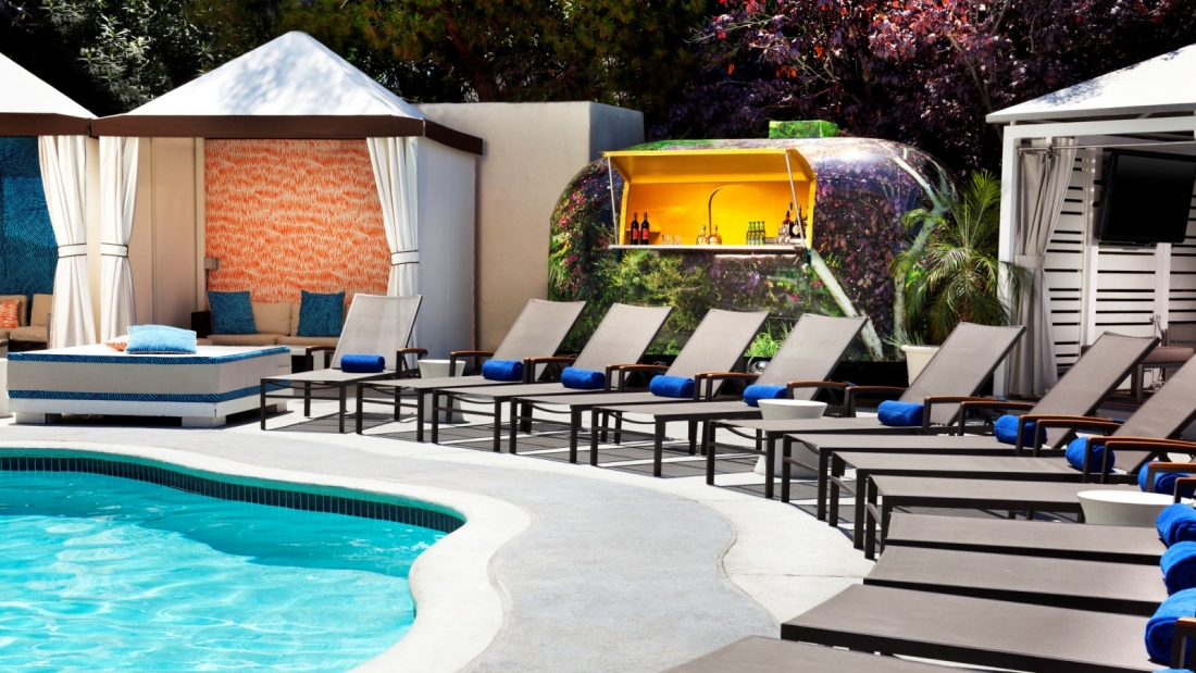NEWwho97518po-139328-Poolside-bar-at-WET (1)