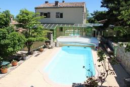 La piscine du domaine.jpg