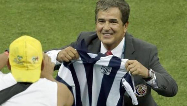 Jorge Luis Pinto niega descarta acercamiento con Alianza Lima
