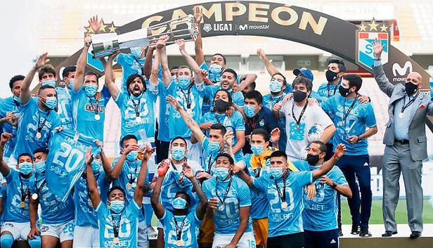 Sporting Cristal: Mosquera y Herrera elegidos como los mejores del Perú por El País