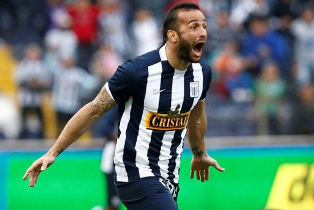Exdelantero se mostró apenado por el descenso de Alianza Lima
