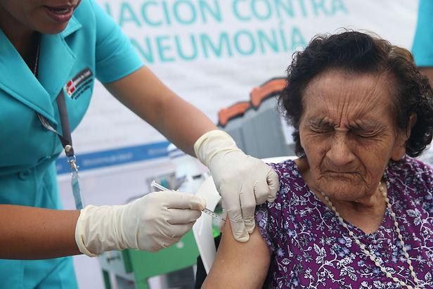 Ministerio de Salud vacunará a 20 millones de peruanos mayores de edad