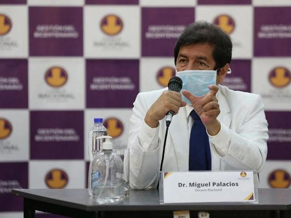 """Decano del Colegio Médico: """"Debe vacunarse al 70% de la población para alcanzar inmunidad de rebaño"""""""
