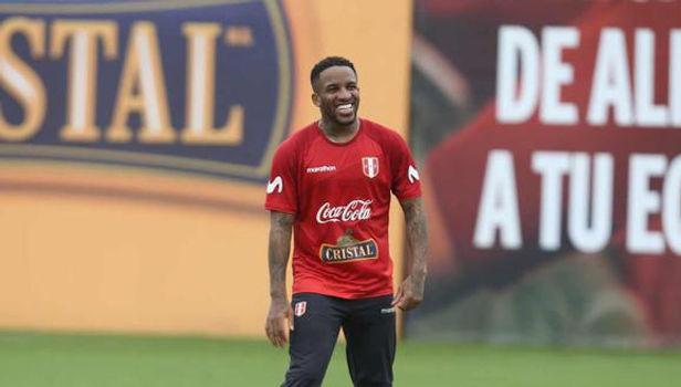Jefferson Farfán niega rumores de su llegada a Deportivo Municipal