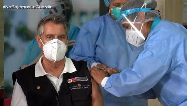 Francisco Sagasti recibió hoy la segunda dosis de vacuna contra del COVID-19
