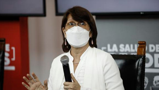 """Pilar Mazzetti: """"Esta es una segunda ola más agresiva"""""""