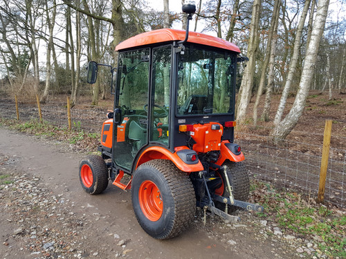 Kioti Tractor with Cab CK2810   Compact Tractors For Sale UK