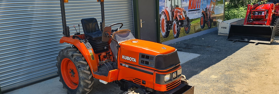Kubota Compact Tractor ST30 HST