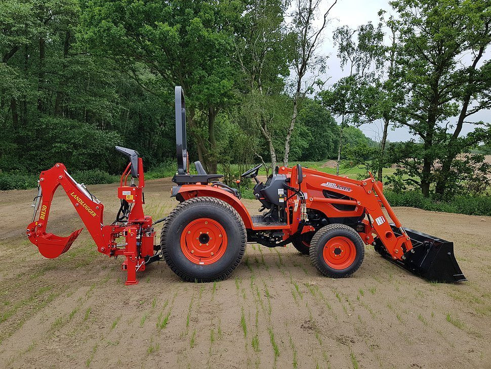 Things you can achieve with the right compact tractor attachment