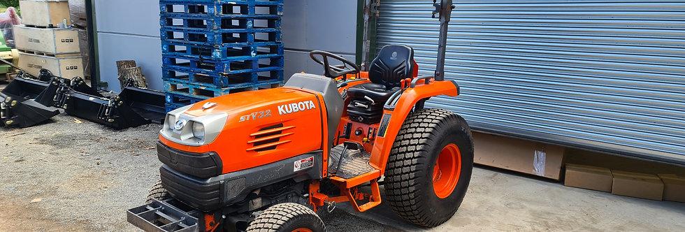Kubota Compact Tractor STV32