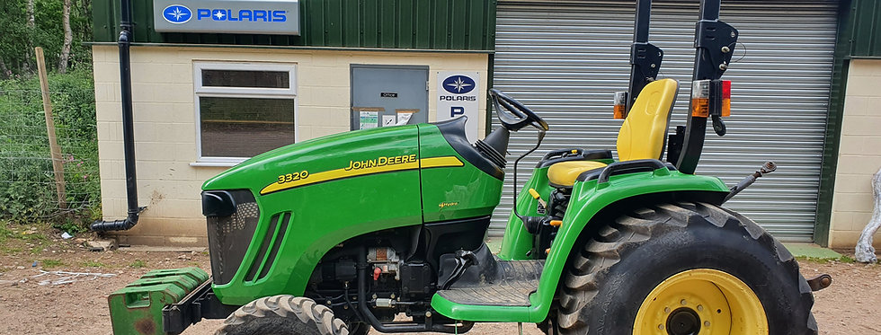 John Deere 3320 Compact Tractor 33HP HST