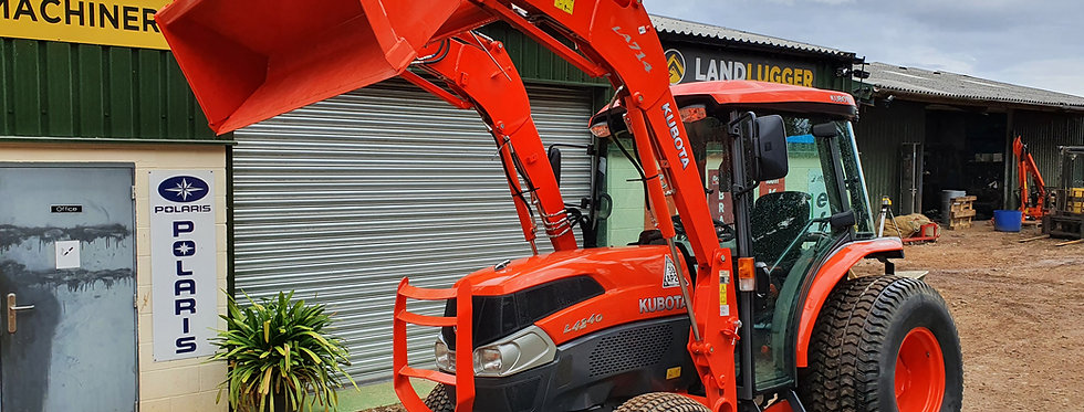 KUBOTA L4240 COMPACT TRACTOR WITH LOADER