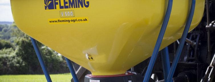 Fleming Wagtail Lawn Fertiliser Spreader FSW1000