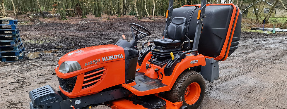 Kubota Tractor BX2350 23HP HST   Tractors For Sale UK